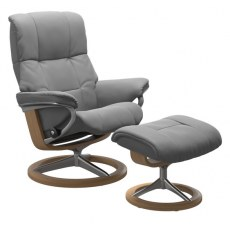 Stressless Mayfair Medium Recliner with Stool (Signature Base) SPECIAL OFFER
