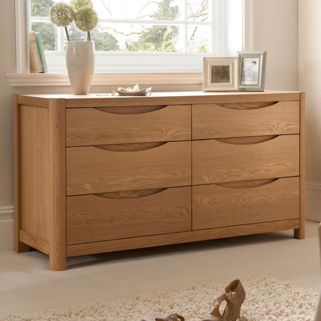 Winsor Furniture Stockholm Wide 6 Drawer Dressing Chest.